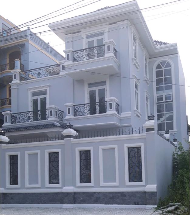 công trình cửa nhôm màu trắng